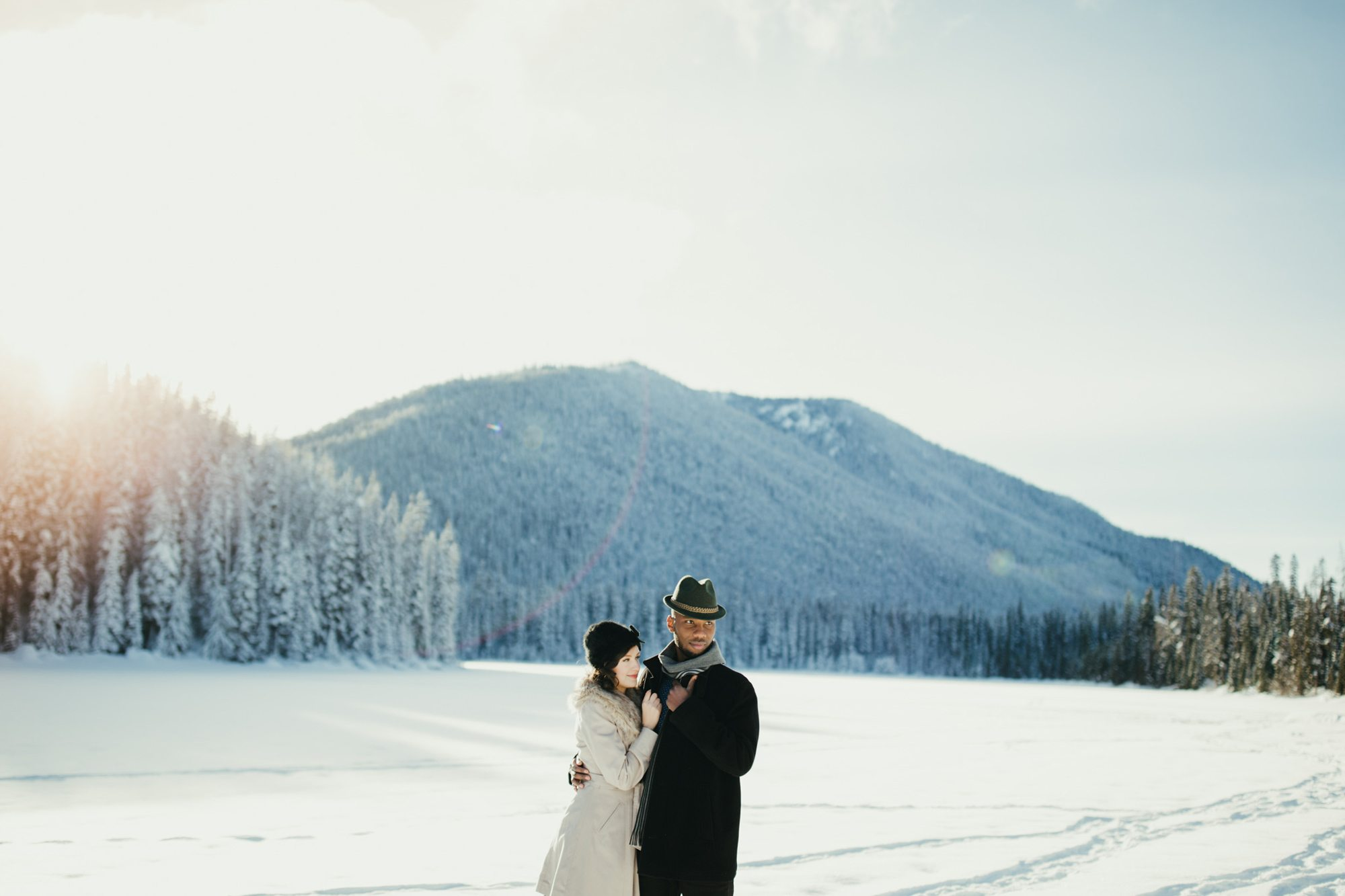 020-adventure-engagement-photographer