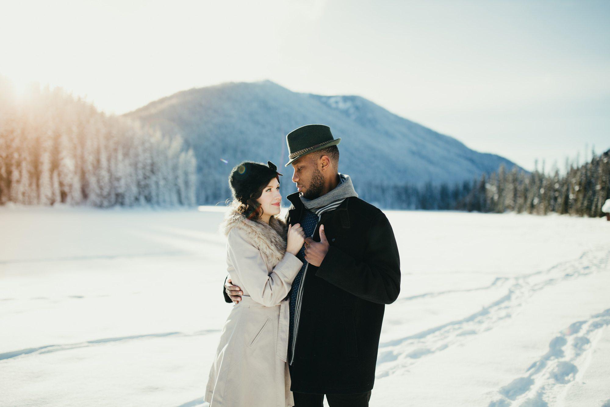 021-adventure-engagement-photographer
