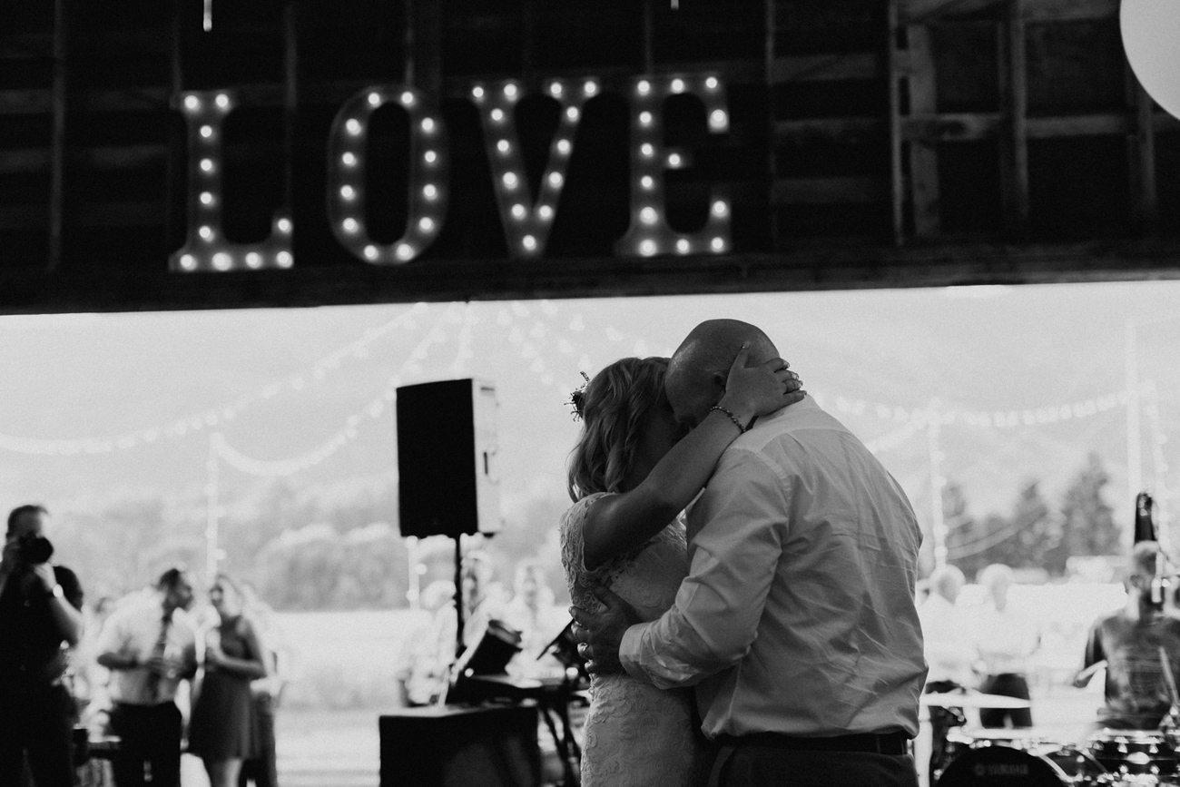 355-vernon-wedding-photographer